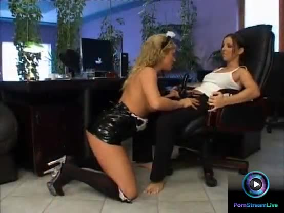 Ginger jones and maria bellucci hot lesbian play