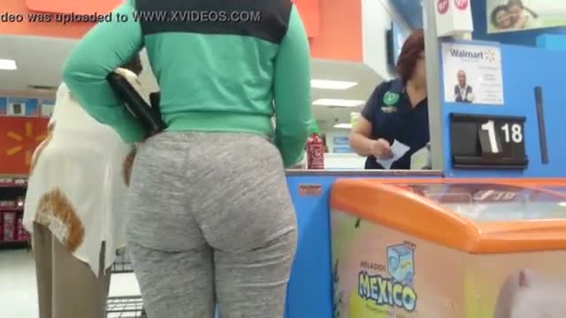Big saggy wedgie ass in blue sweats