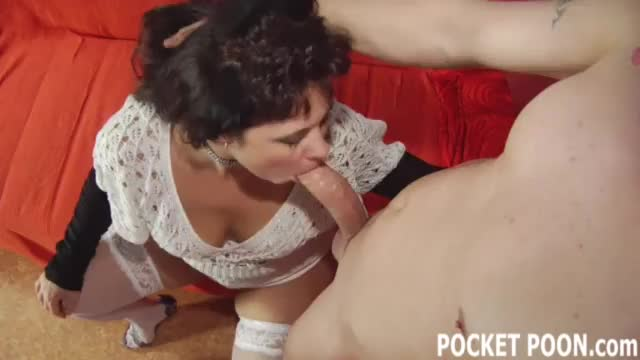 Curvy housewife sucking cock like a pro mobile video