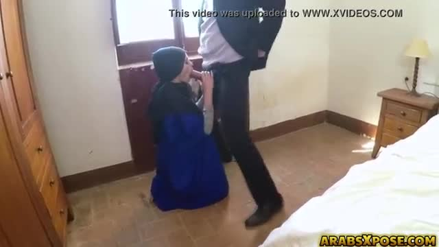 Beautiful refugee arab with smooth nude body made big cock hotel manager cry for her booty