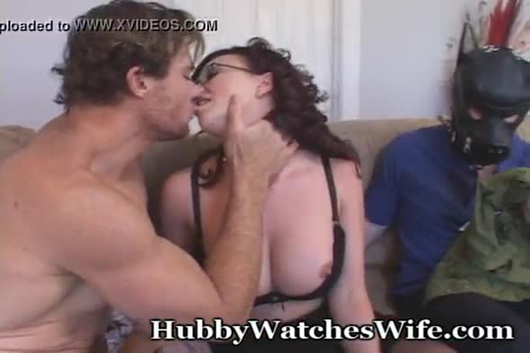 Big boob wife puts on a show