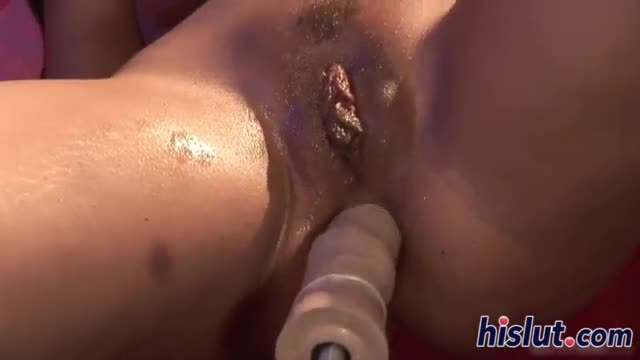Babe gets her ass rammed by her fucking machine
