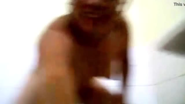 Indian women masturbating and see squirting in the bathroom