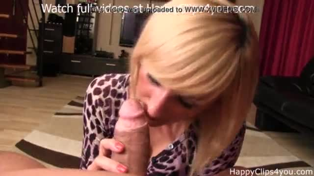 Great milf blowjob xxx foot sniffing
