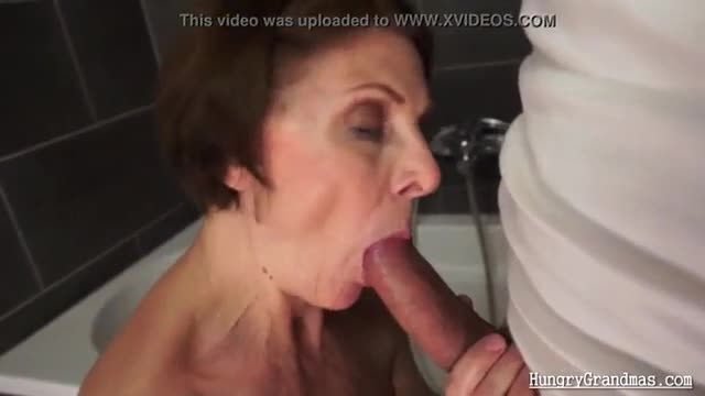 Sexy granny with hungry ass and pussy