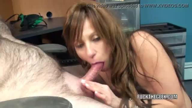 Mature minx wife takes young cock in the bathtub