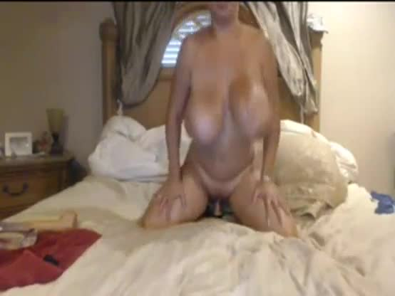 Mature latina masturbates with dildo on webcam