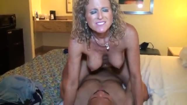 Fucking my wife with creampie